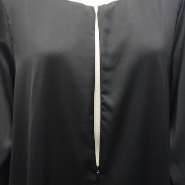 jubah-satin-black-closeup