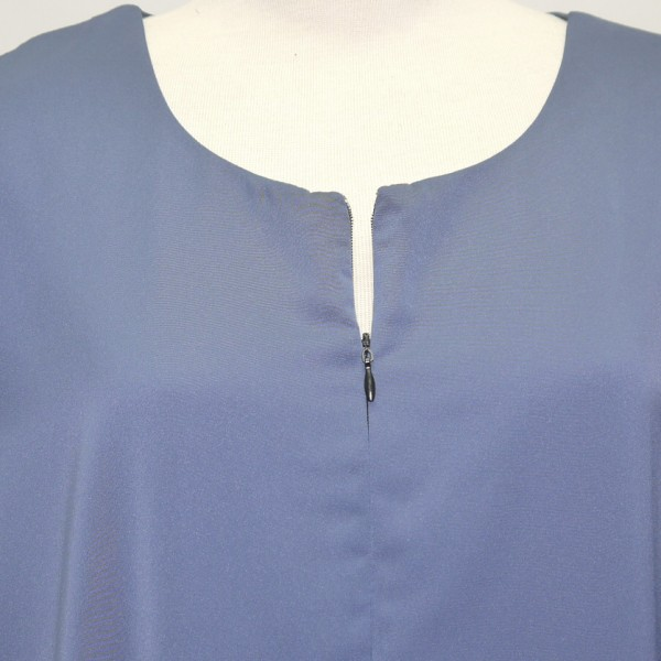 jubah-satin-blue-close-up